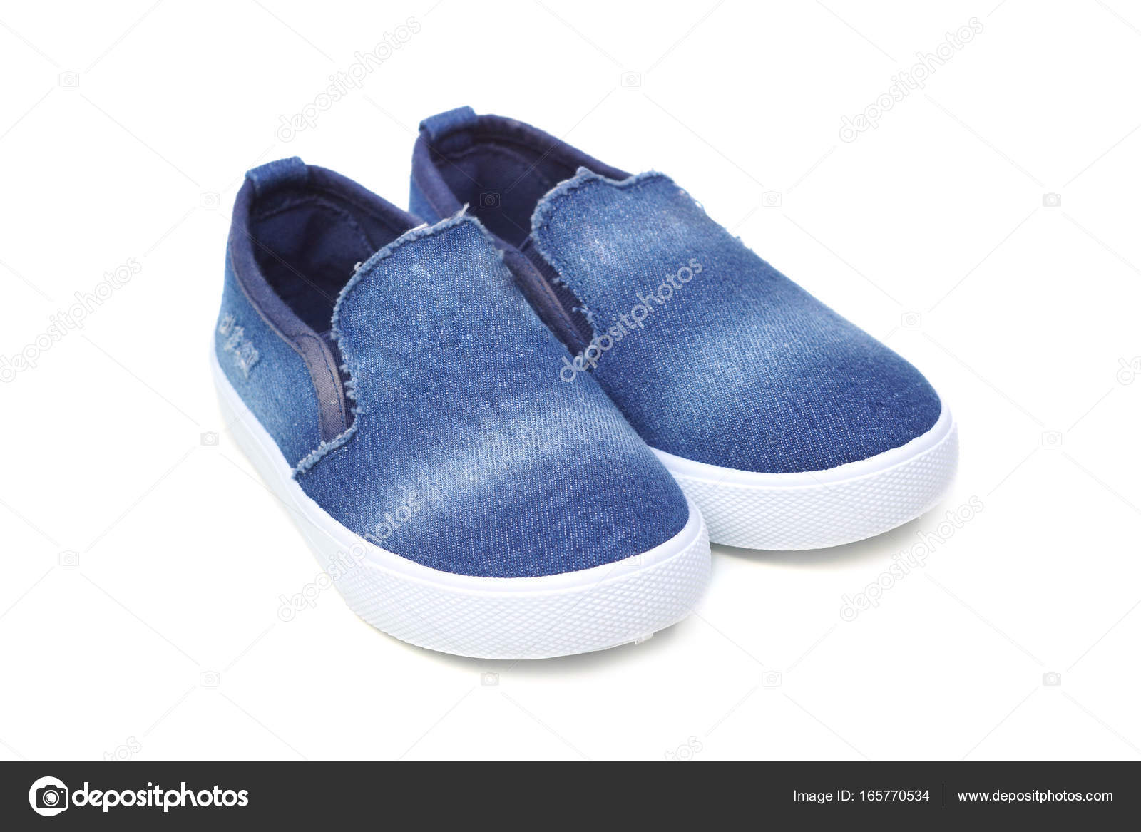 639b54e19a3 Ζαν τζιν παντοφλέ παπούτσια — Φωτογραφία Αρχείου © weerapat #165770534
