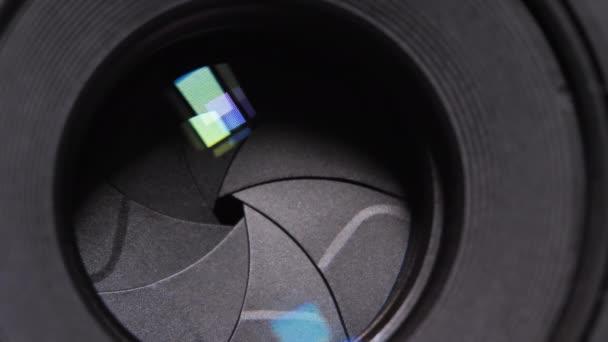 Blendenöffnung und Blendenöffnung der fest installierten Linse Blendenöffnung Blendenöffnung Blendenöffnung Einstellung einer Fotokamera Nahaufnahme