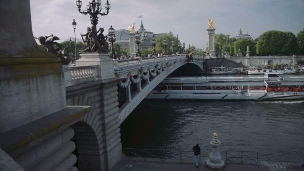 Le pont Alexandre III et Tour Eiffel