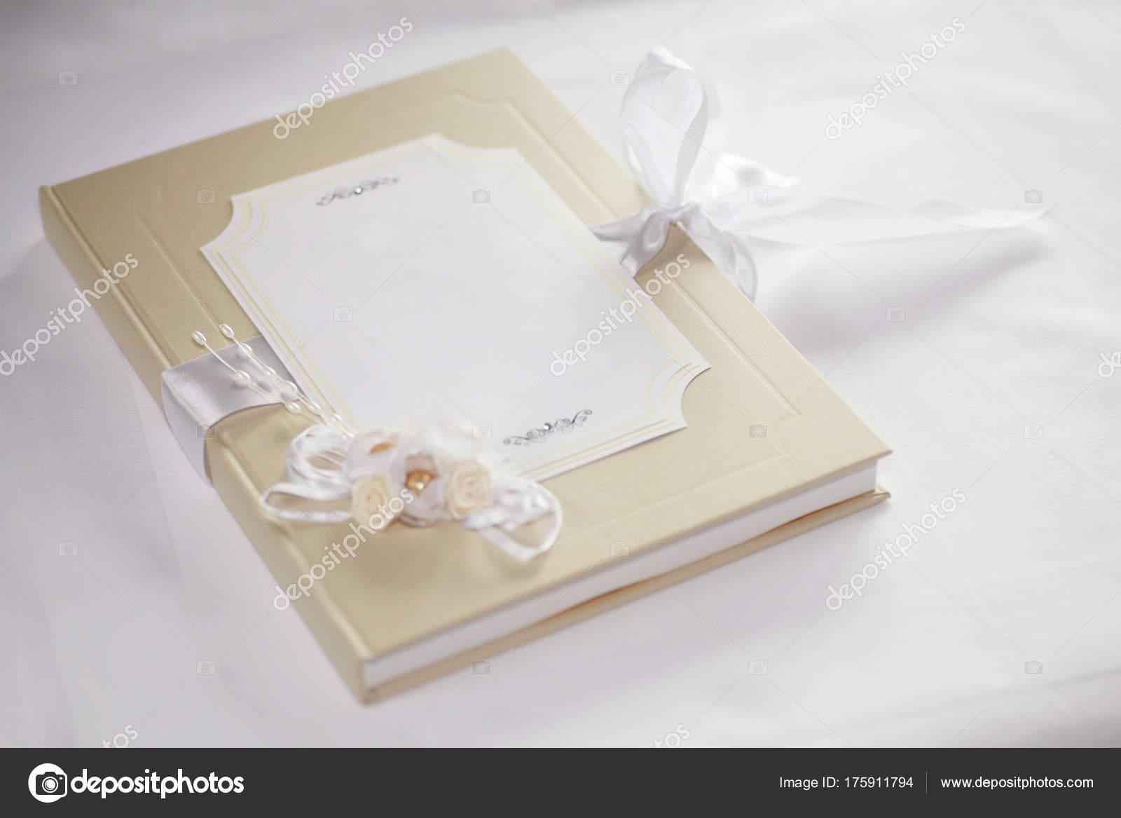 blanc wedding guest book — Stock Photo © v-strelok #175911794