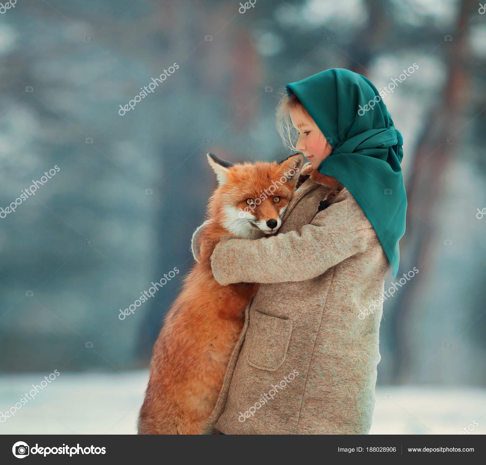 Das Madchen Und Der Fuchs Winter Stockfoto C Kotesha 188028906