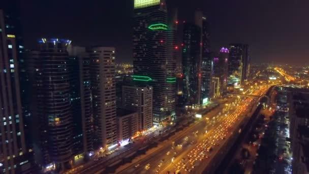 Let v městě noci. Dubaj, Spojené arabské emiráty