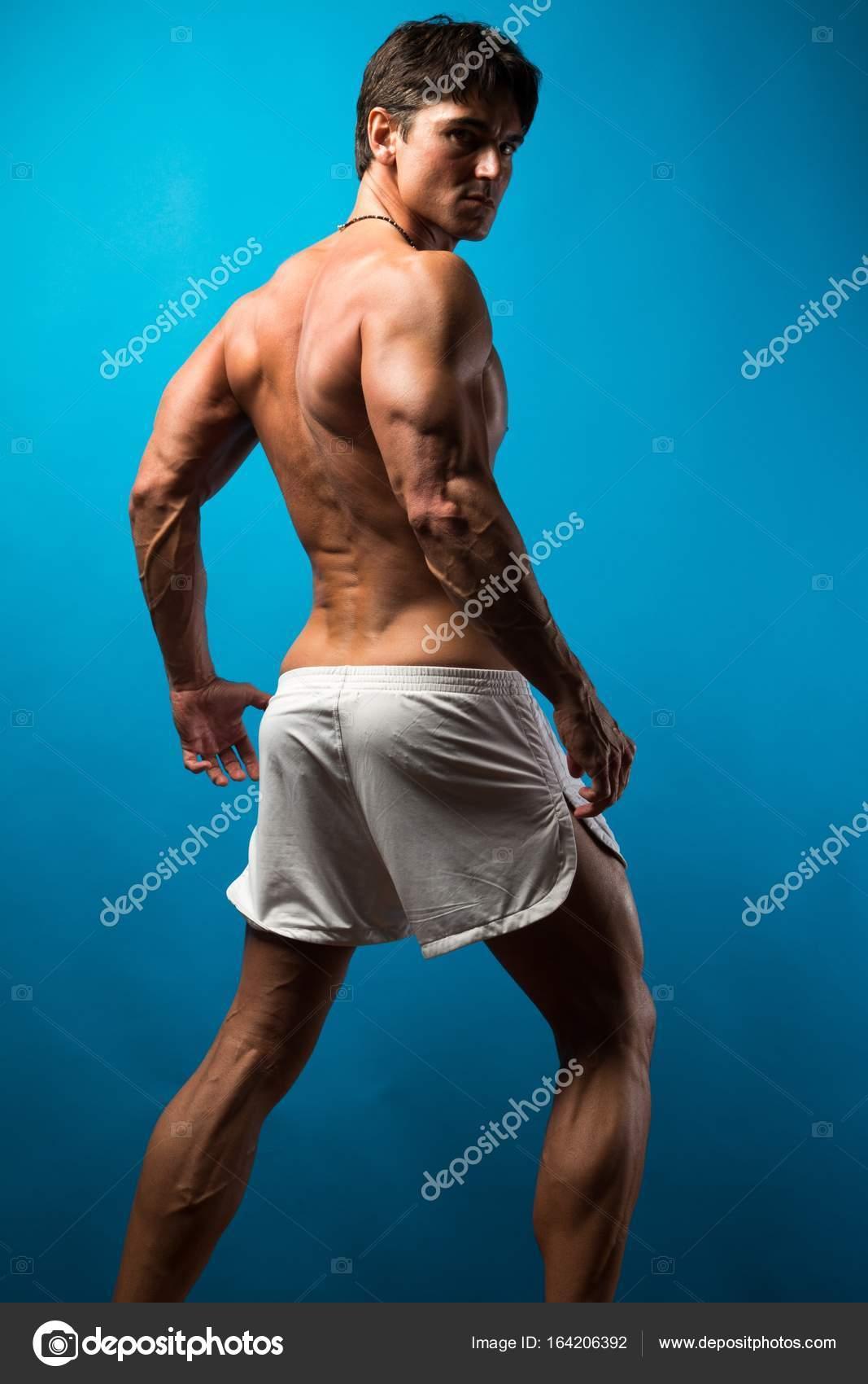 Romancephotos Muscle L'homme En ©164206392 Short — Photographie 80wPnOkX