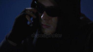 939a3a12dc7 Dangerous criminal threatening victim by phone