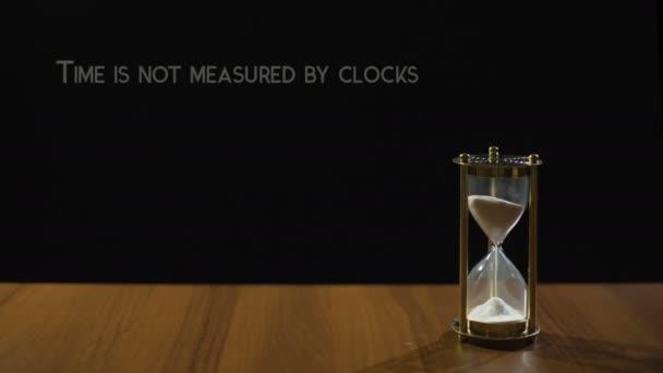 O Tempo Medido Por Momentos Não Relógios Frase Sobre O Valor Da