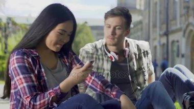Hogyan lehet kapcsolatba hozni randevúkat