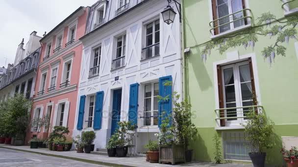 Dessins Du0027art Sur La Façade De La Belle Maison Verte, Rue Cremieux Rue