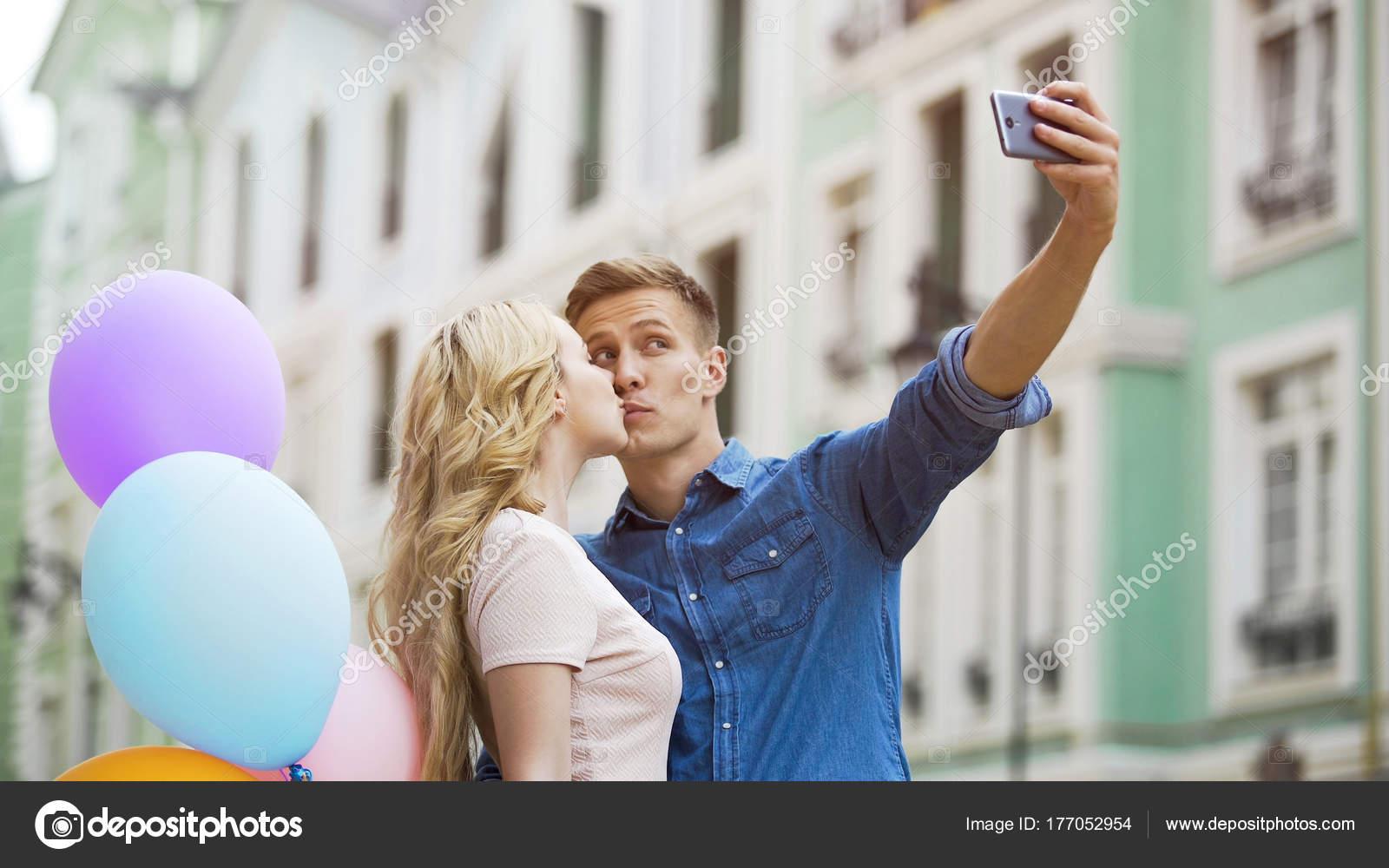 Dating jemand, der gemischte Nachrichten sendet