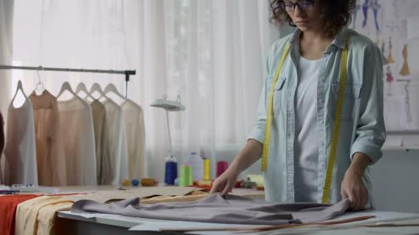 Tavolo Da Lavoro Per Sartoria : Ikea hacker tavolo da taglio xl