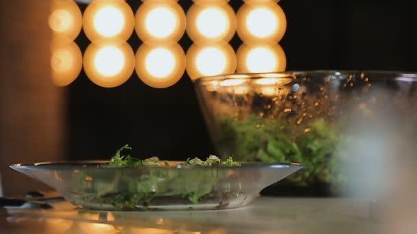 Preparacion De Ensalada De Aperitivo Durante El Show Canal Cocina