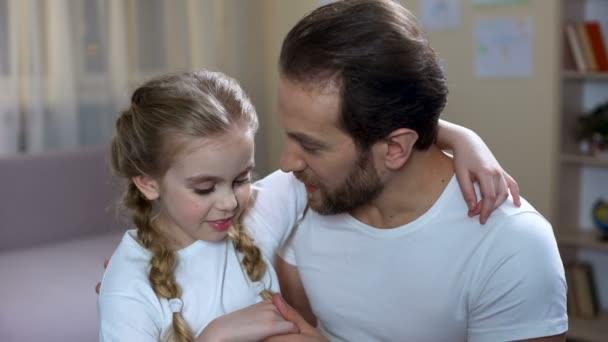 Vater Ficht Tochter