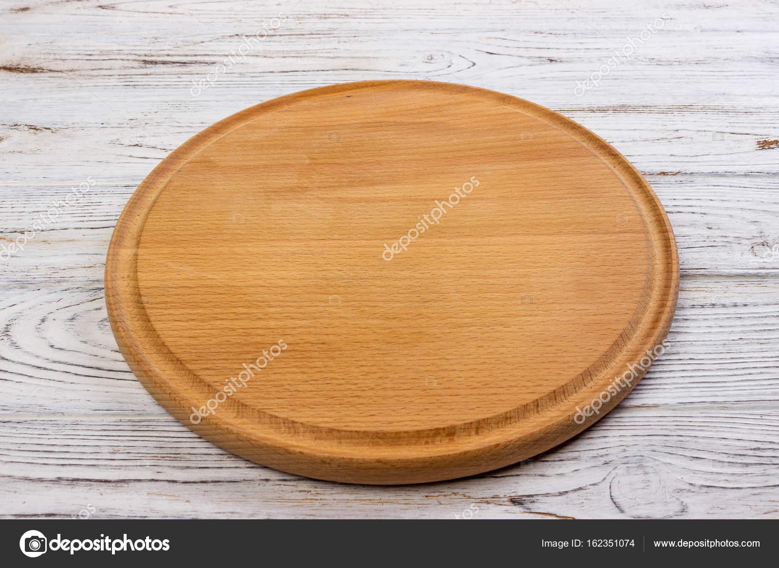 En Bois Rond Plateau Vide Pour Pizza Sur Fond De Table En