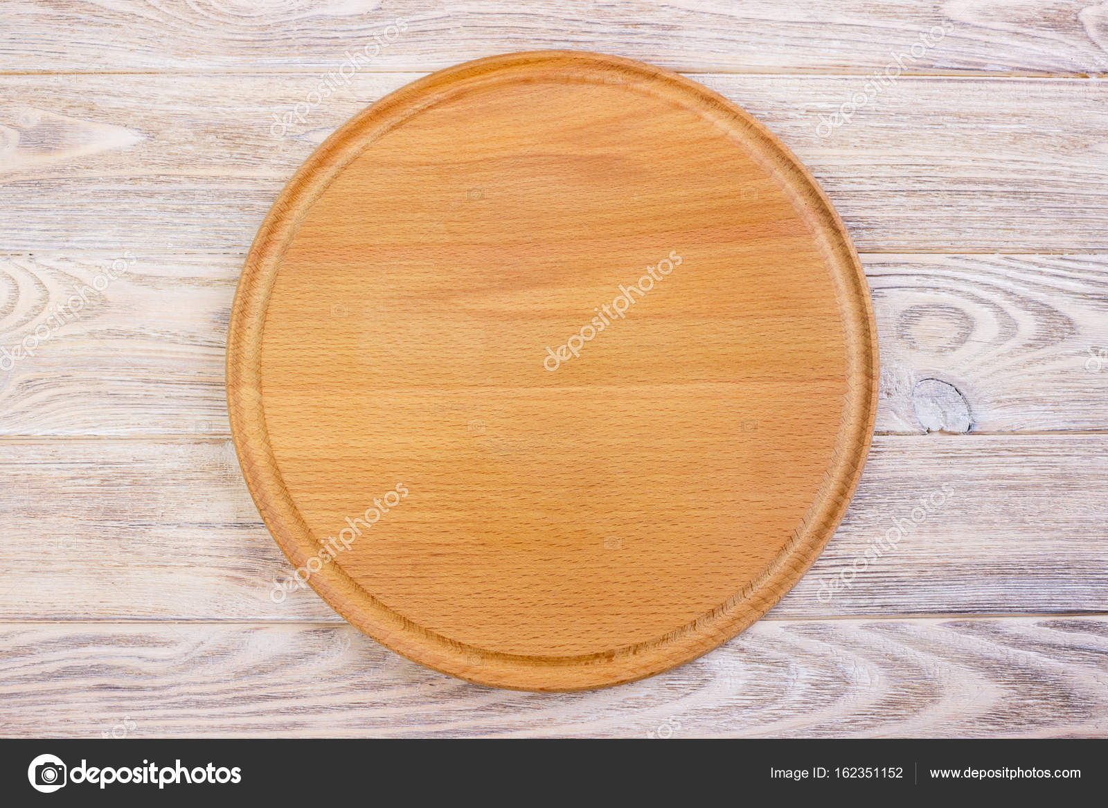 Empty Round Cutting Board On A Wooden Table Top View Stock Photo C Snegok1967 162351152