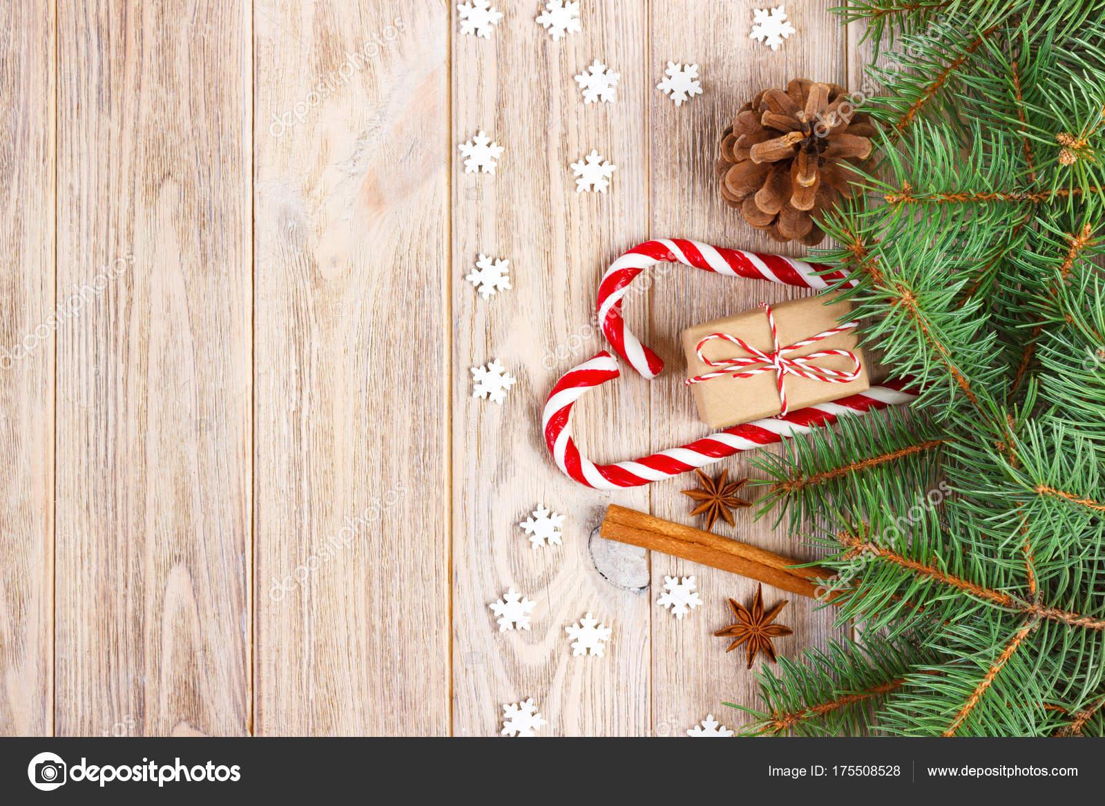 Weihnachten Hintergrund mit Weihnachtsbaum Äste, Tannenzapfen, Candy ...