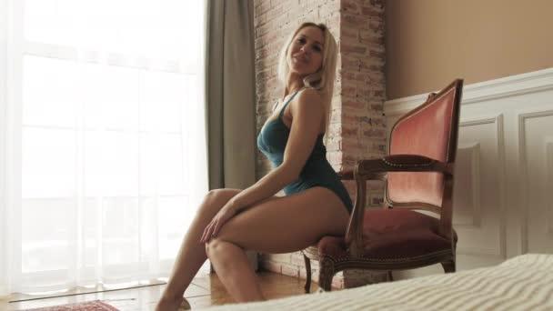 Žena ve spodním prádle okouzlující erotika hubnutí tělo detailní elegantní žena krása 4K