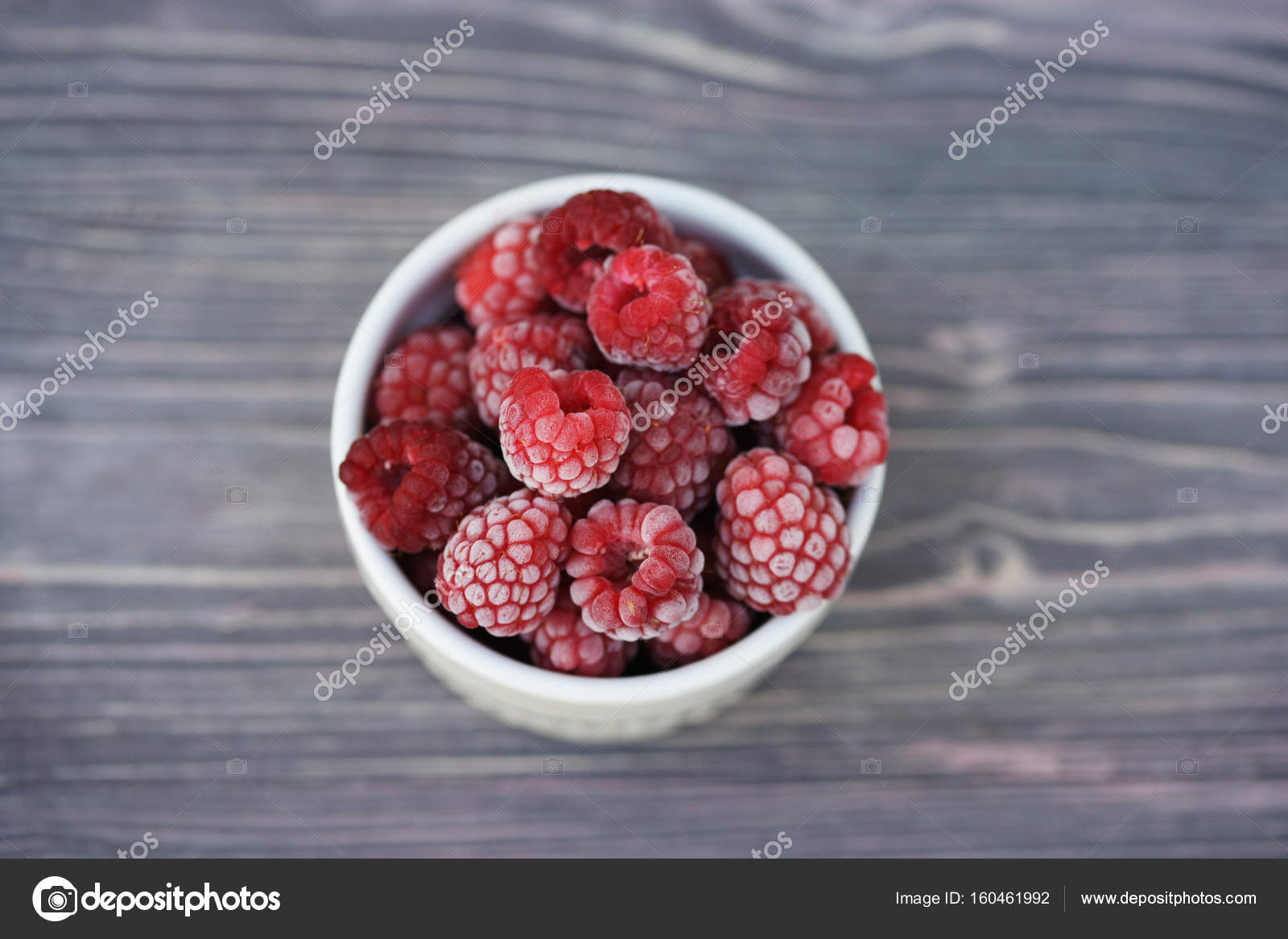 gel e de framboise berry avec givre blanc photographie oliveshadow 160461992. Black Bedroom Furniture Sets. Home Design Ideas