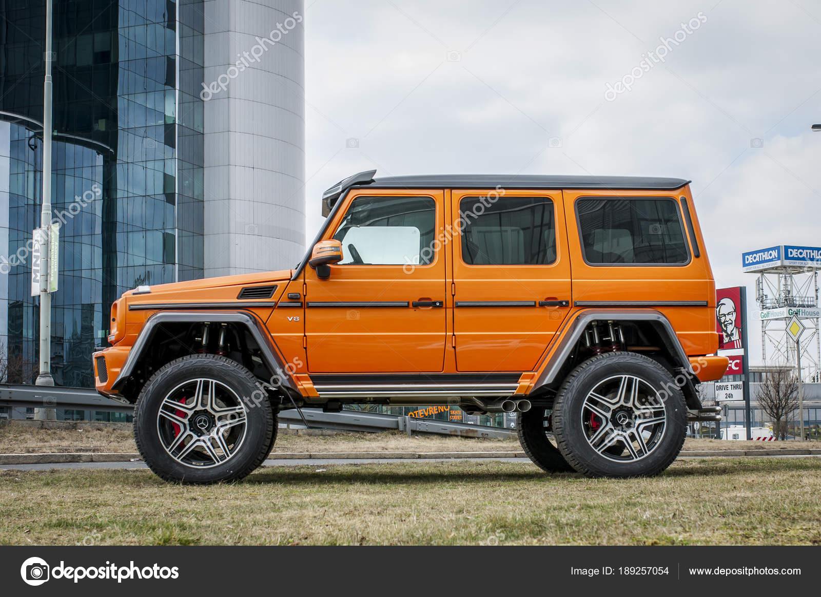 Mercedes Benz G500 4x4 in orange color – Stock Editorial