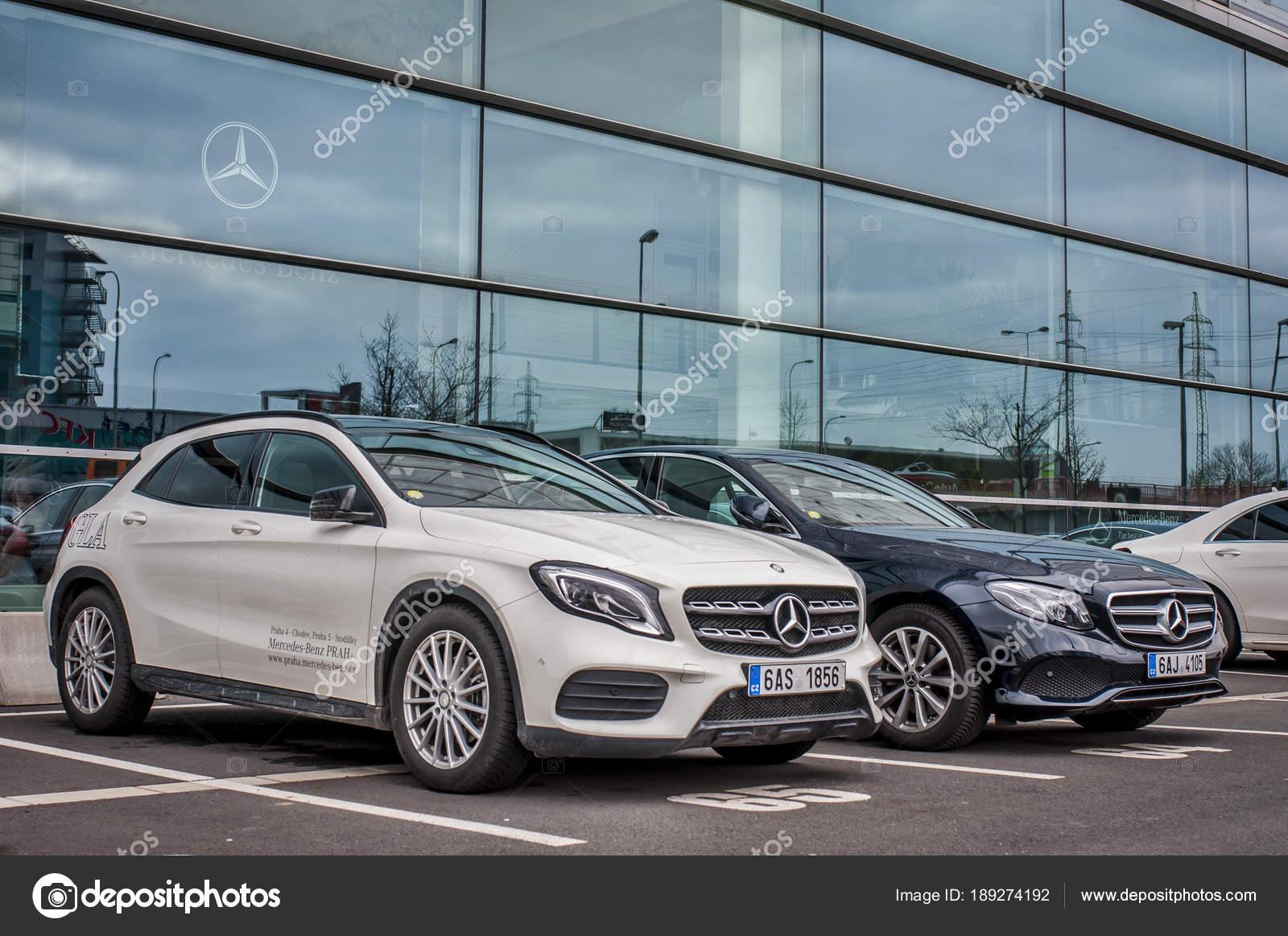 Praag Tsjechie 2018 Nieuwe Luxewagens Mercedes Benz Parkeren Voor
