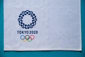 Tokio, Japonsko, leden. 20. 2020: Tokio 2020 logo, letní olympijská hra, bílá edit space