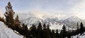 procházka ve stanici Montgenevre přijata zimou, sníh a