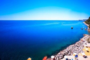 "Картина, постер, плакат, фотообои ""летний день на пляже в заливе Триеста"", артикул 149807448"