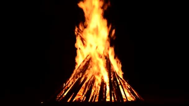 oheň a plamen