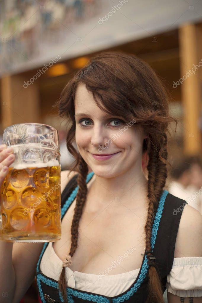 Deutsche Frauen VeuGeln
