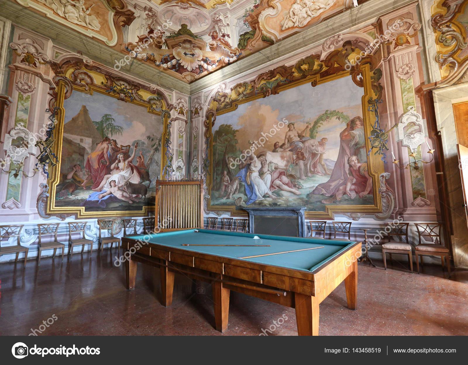 Interni Di Villa Pisani : Villa pisani a stra italia u2014 foto editoriale stock © ohmaymay
