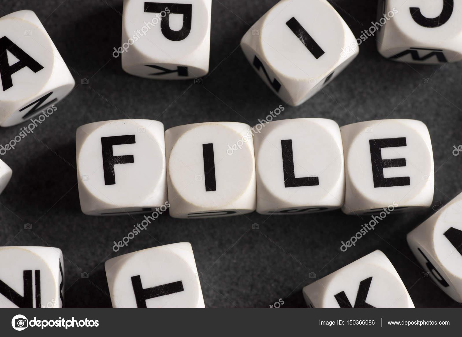Word-Datei auf Spielzeug Würfel — Stockfoto © aga77ta #150366086
