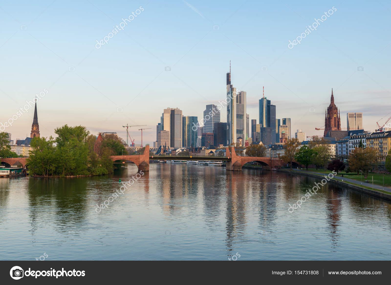 Morgen Frankfurt frankfurt am bild der skyline frankfurt am am morgen