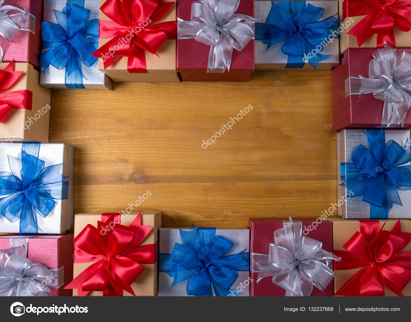 BOX gift and small gift wrapped , presents and Christmas , gift ...