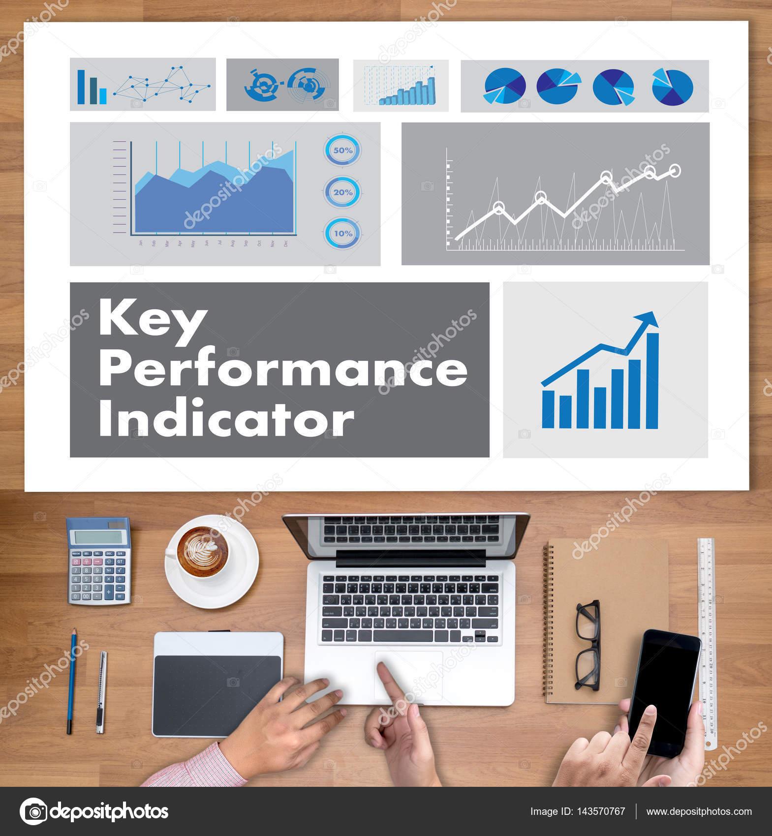 Acrónimo de KPI (Key Performance indicador) Plan empresario mano wo ...