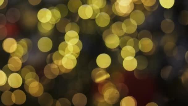 Bokeh ze světel vánočního stromku.