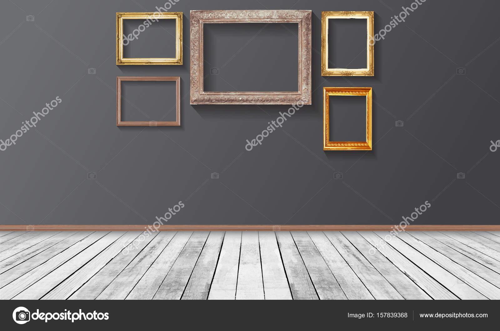 Parete Doro : Insieme del telaio di legno dellannata doro sulla parete