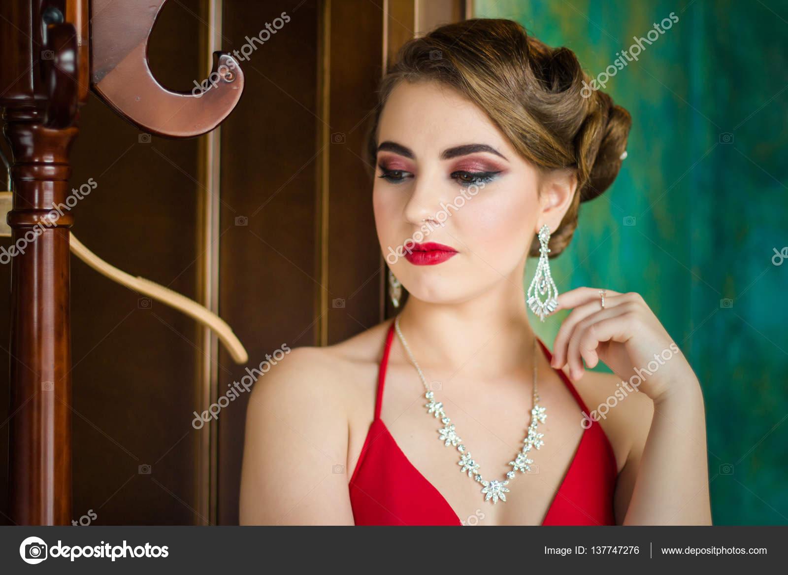Retro Bild Mädchen Mit Schönen Augen Make Up Und Rote Lippen