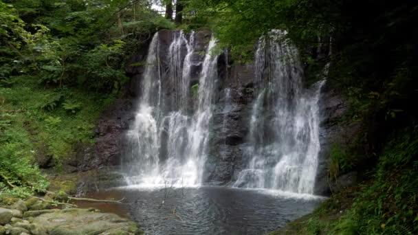 Glenariff vodopád, Severní Irsko - odstupňované verzi