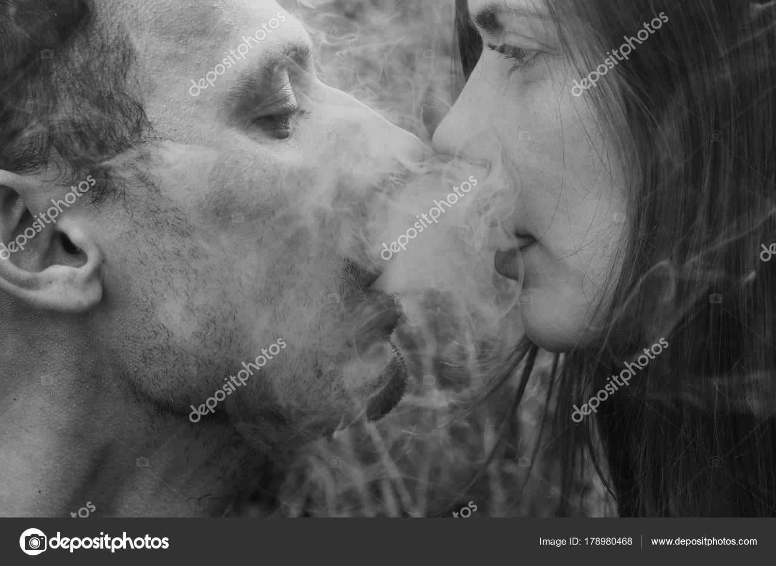 Image Couple Amoureux Noir Et Blanc amour portrait couple amoureux homme femme photo noir blanc