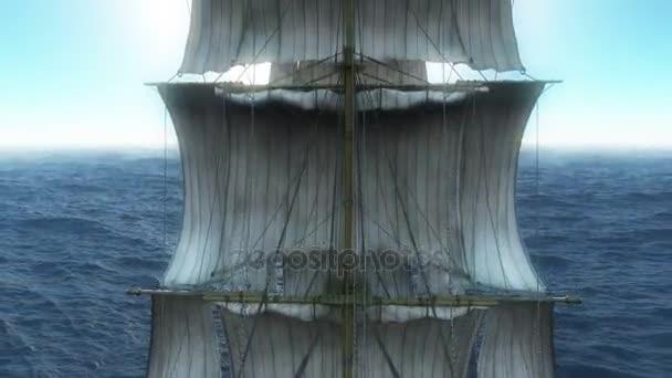 stará loď v moři 4k