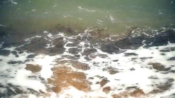 Mořská vlna na pláži 4k