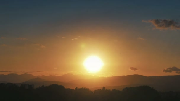 Goldpanorama Sonnenuntergang im Zeitraffer