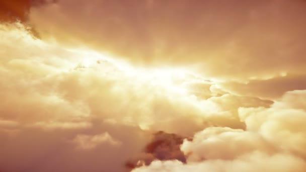 letět v mracích slunce 4k