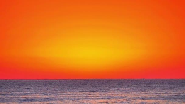 Východ slunce nad mořským obzorem 4k