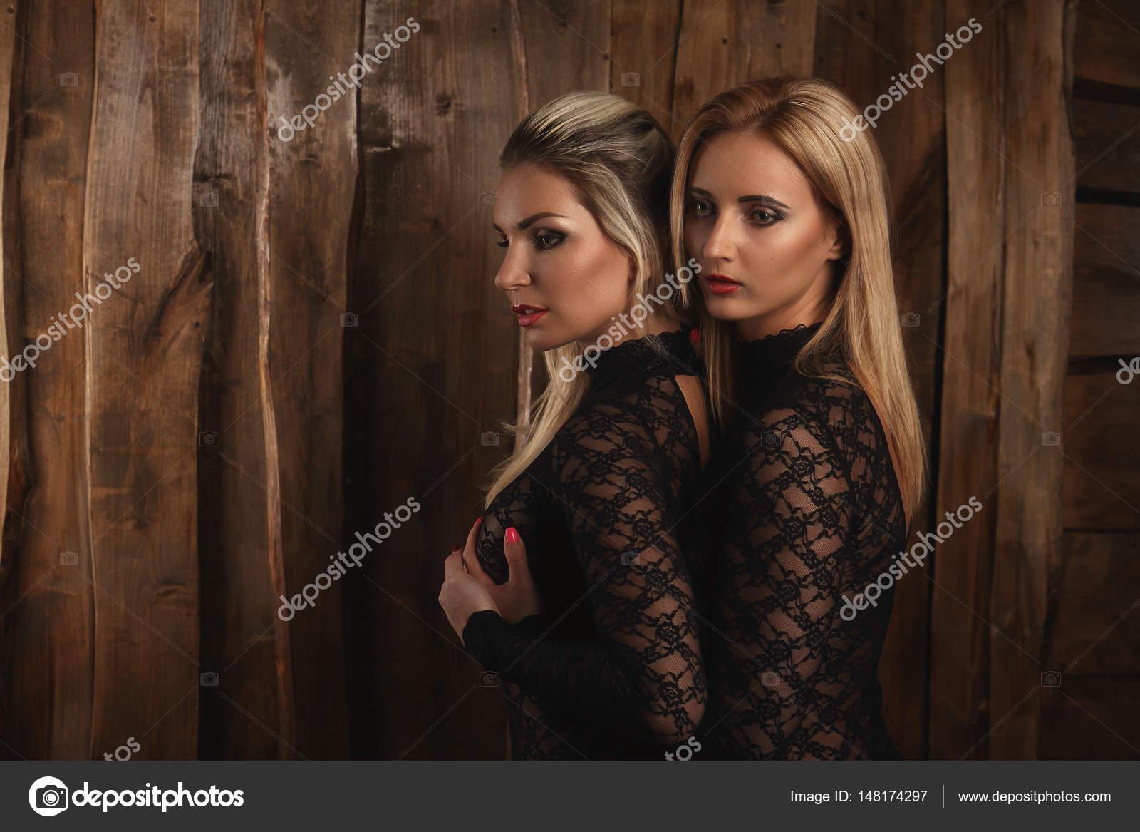 lesbiche sesso manette