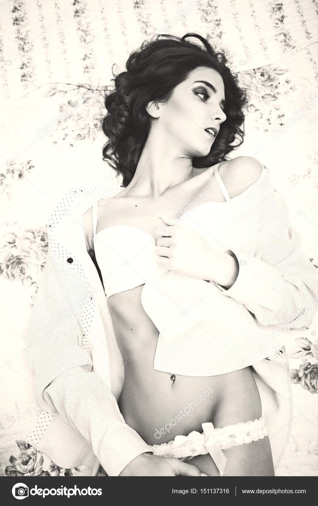 καυτά κορίτσι γυμνή εικόνα νέος μαλλιαρό Έφηβος/η κανάλι