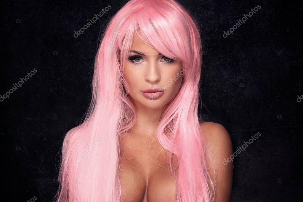 Estética rosa - Página 2 Depositphotos_130412848-stock-photo-sexy-girl-with-pink-hair