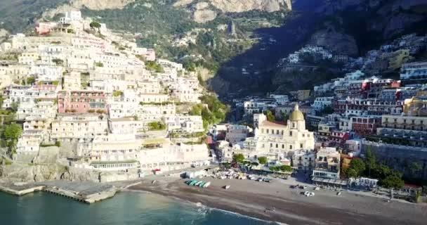 Vista aerea di Positano, Costiera Amalfitana, Italia.