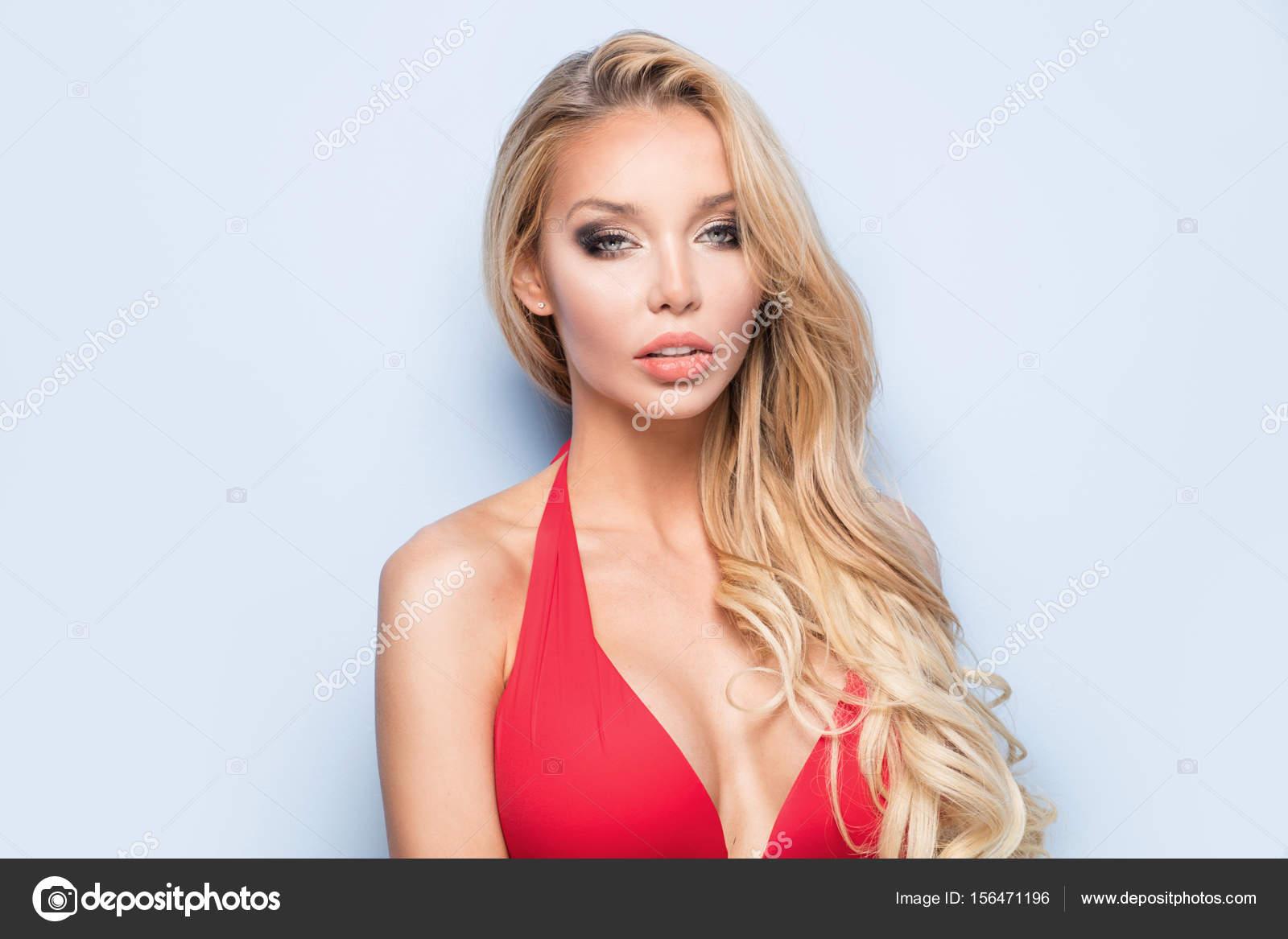 Привлекательная и сексуалная женщина