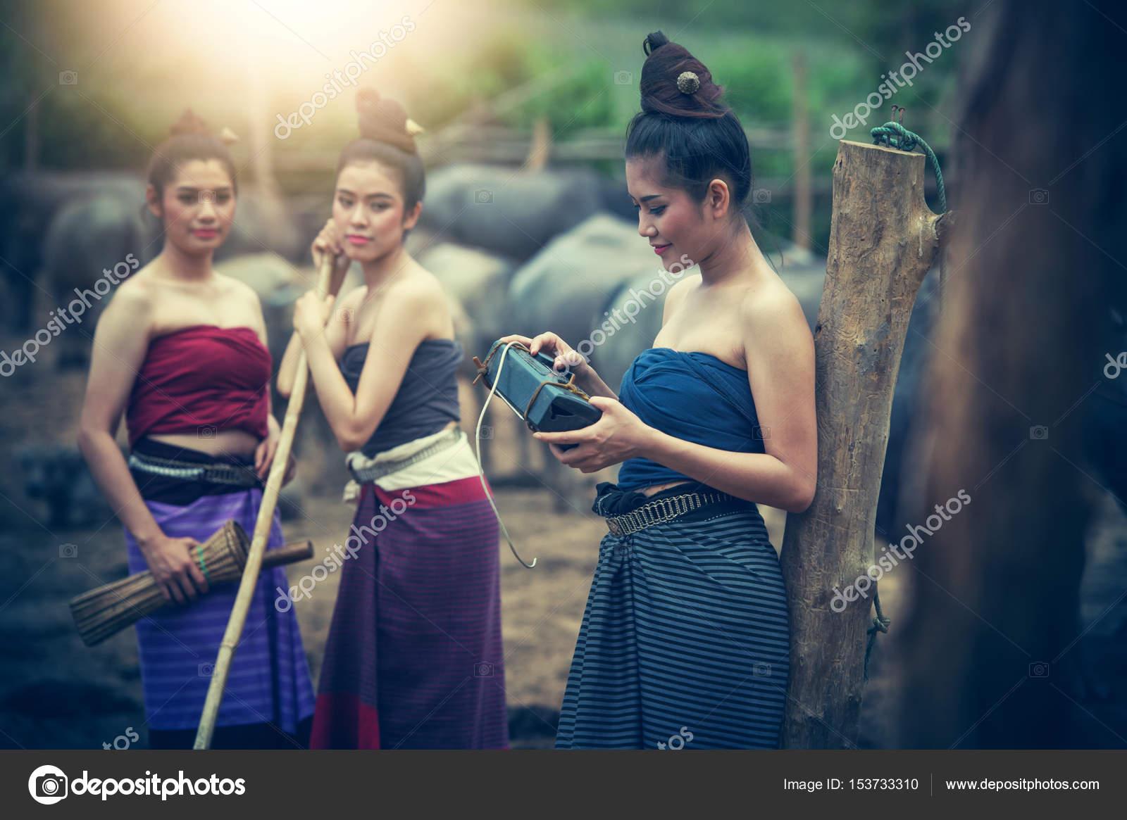 Three asian women theme simply