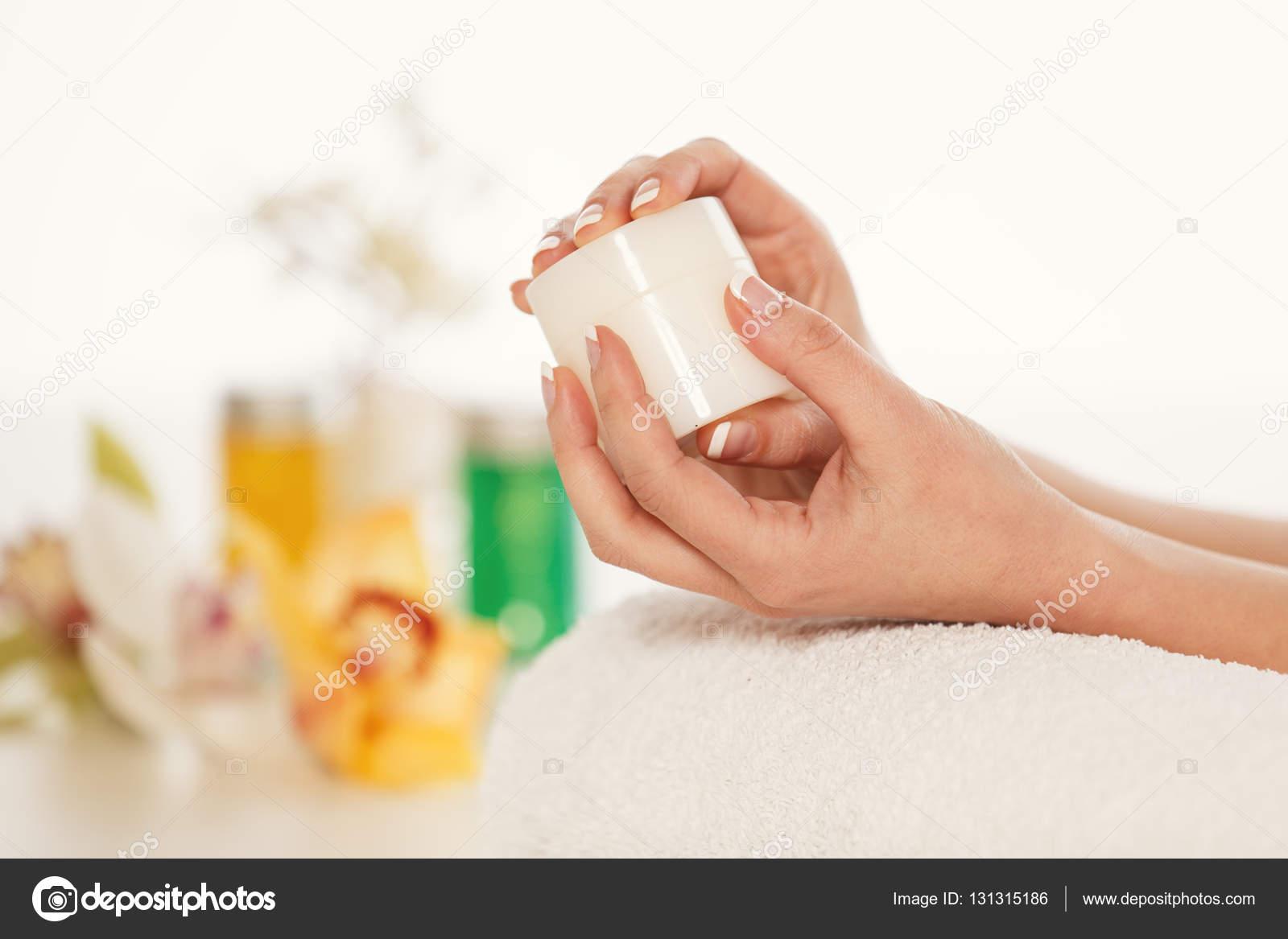 Disfrutar de tratamientos spa — Foto de stock © grki #131315186