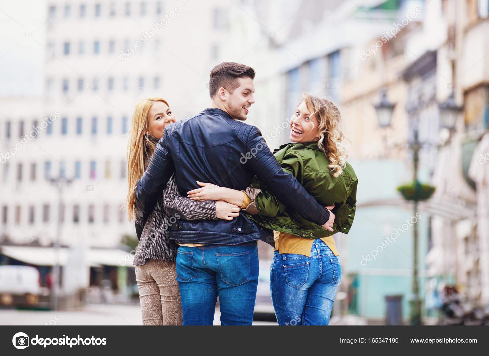Dating παρέα